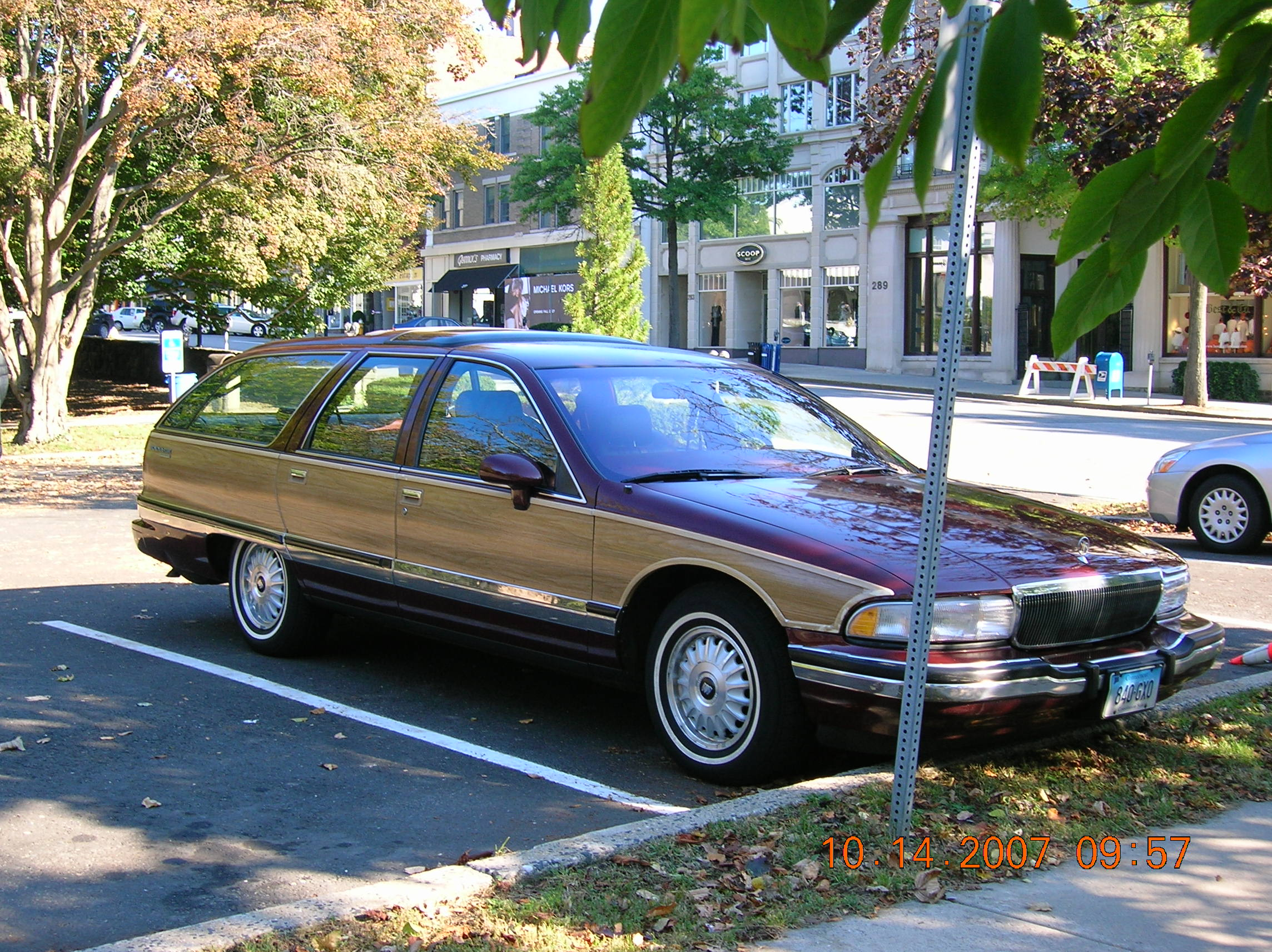 michael scott 1992 buick roadmaster station wagon. Black Bedroom Furniture Sets. Home Design Ideas